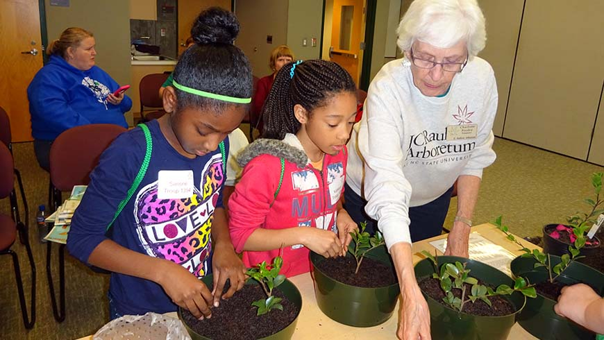 girl scouts planting
